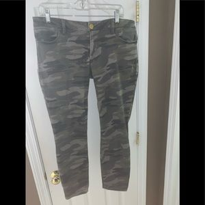 Express, Camo Cropped Pant
